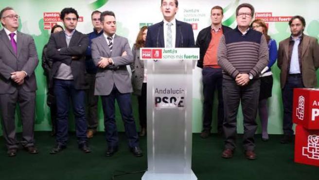 Sánchez Teruel presenta el grupo de asesoramiento jurídico del PSOE