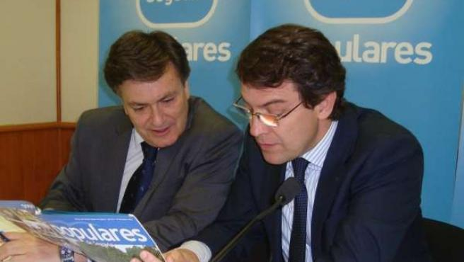Fernández Mañueco (d), con Francisco Vázquez