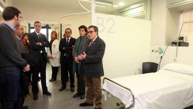 Clínica de Ponent con el alcalde de Lleida, Àngel Ros
