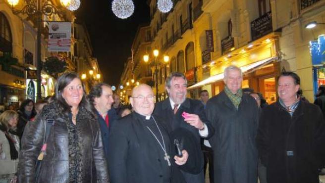 Belloch enciende las luces de Navidad en la Calle Alfonso