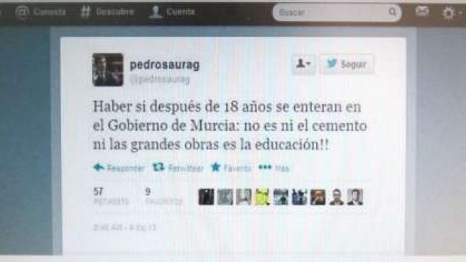 Un tuit de Pedro Saura recibe críticas ante una falta de ortografía