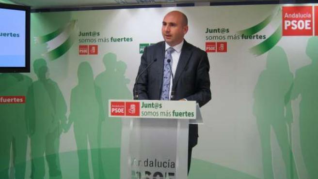 Francisco Conejo en la sede el PSOE