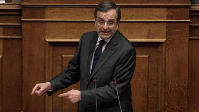 El primer ministro griego, Andonis Samaras, en el Parlamento griego durante la aprobación de los presupuestos para 2014.