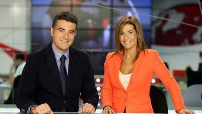 Los presentadores de Rtvcyl Antonio Renedo y Nati Melendre