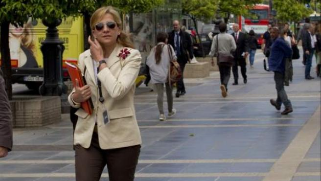 Fotografía de archivo de la infanta Cristina, a su llegada a la sede central de la Caixa en Barcelona.