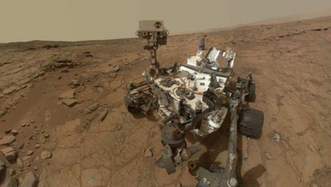 El Curiosity recorre la superficie de Marte desde hace más de un año. Recoge muestras y las analiza.