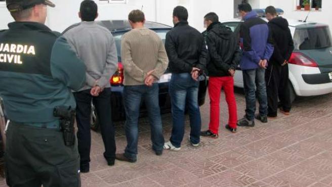Guardia Civil detiene a los seis integrantes de una banda