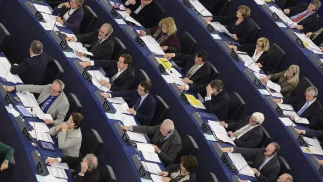 Eurodiputados votando en el Parlamento Europeo, en Estrasburgo (Francia).