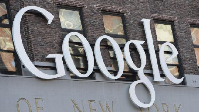 El logotipo de Google en las oficinas de la compañía en Nueva York.