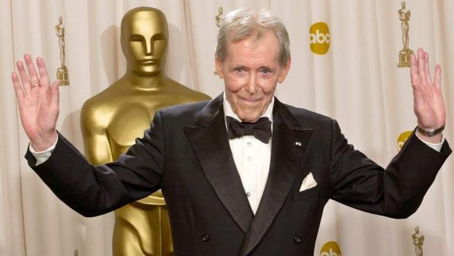 Peter O'Toole, en una imagen de archivo cuando le fue concedido el Oscar honorífico en 2003.