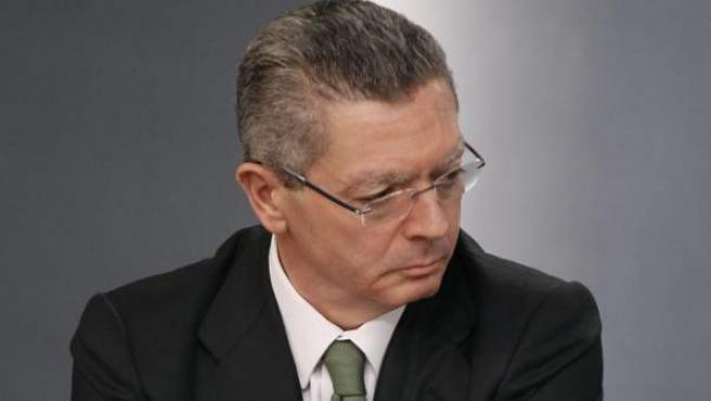 El ministro de Justicia, Alberto Ruiz Gallardón, durante una rueda de prensa.