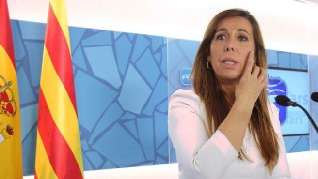 La presidenta del PPC, Alicia Sánchez-Camacho, durante la rueda de prensa tras el anuncio de la fecha y la pregunta de la consulta soberanita.