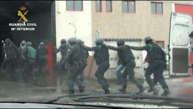 Efectivos de la Guardia Civil durante la operación 'Brizonazo'.
