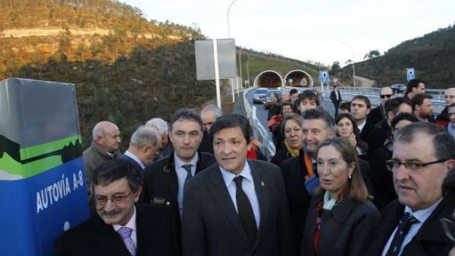 Fernández y Pastor, en primer término, durante la inauguración.