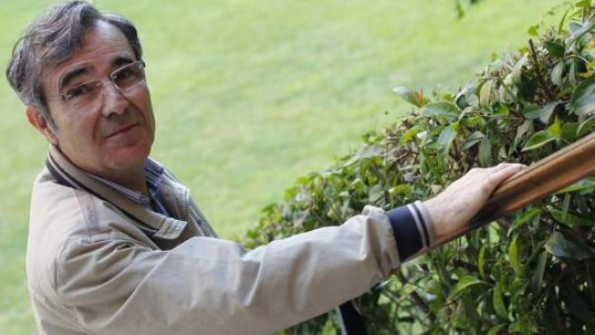 Miguel Ángel, médico de 61 años, afectado de esclerosis múltiple