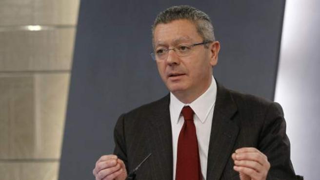 El ministro de Justicia, Alberto Ruiz-Gallardón, en rueda de prensa.