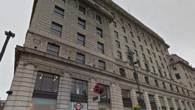 El edificio Devonshire House de Londres se encuentra en la calle Piccadilly