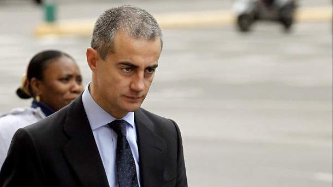 El exsecretario regional del PP valenciano, Ricardo Costa, a su llegada al Tribunal Superior de Justicia de Valencia para la sesión del viernes del juicio contra él y Francisco Camps por el 'caso de los trajes'.
