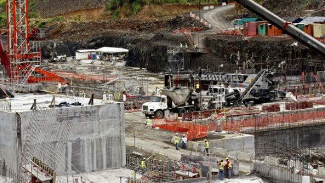 Fotografía de archivo de octubre de 2012 de las obras de ampliación del Canal de Panamá.