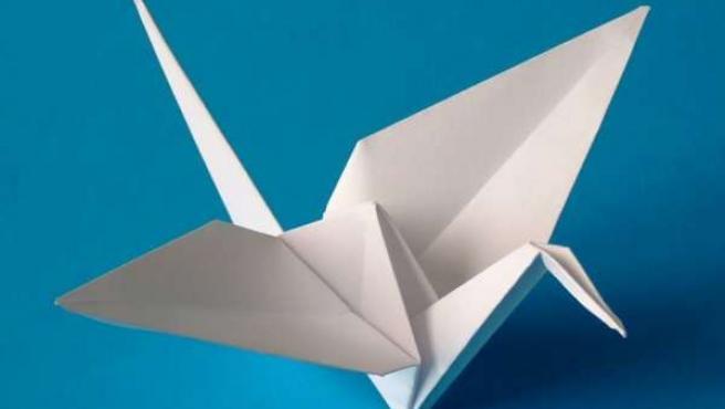 El Museo Provincial enseña el arte del origami a través del taller 'Con papel'.