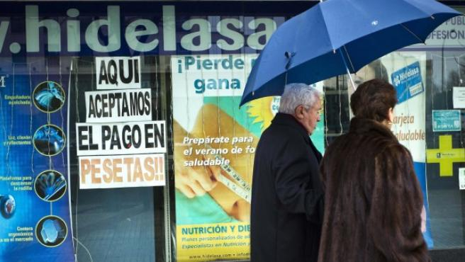 Un comercio madrileño que todavía acepta el pago en pesetas.