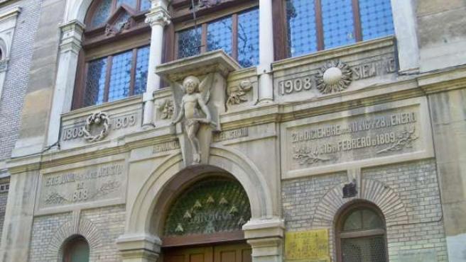 Antigua Escuela de Artes, en la Plaza de los Sitios de Zaragoza