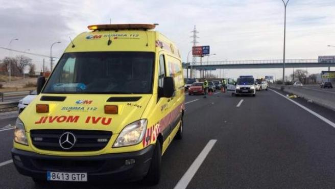 Un varón de 60 años ha fallecido atropellado en el km 18 de la A-2, sentido Madrid.