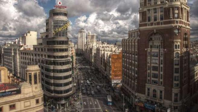 Una perspectiva general de la Gran Vía, uno de los símbolos de Madrid.