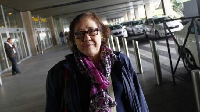 """Concha Niño, usuaria de taxi en el aeropuerto de Barajas: """"A mí Ana Botella me fastidia con la tarifa plana del taxi""""."""
