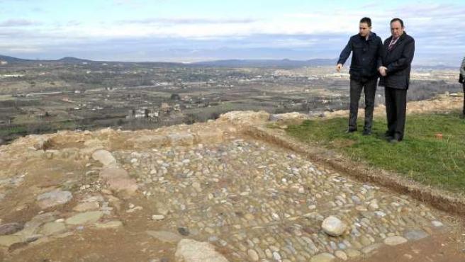 Visita obras consolidación castillo de Nalda