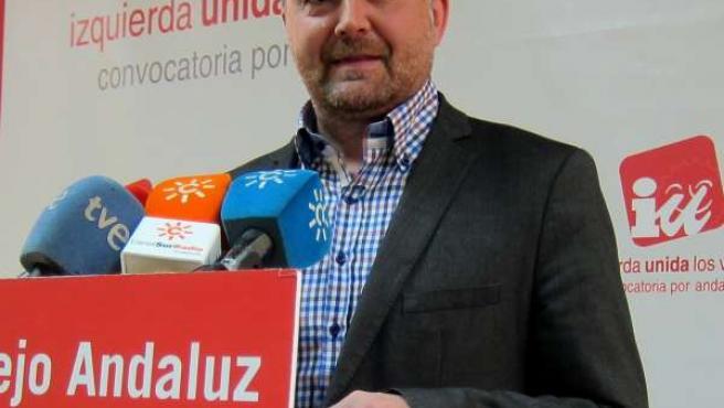 Coordinador general de IULV-CA, Antonio Maíllo, en rueda de prensa.