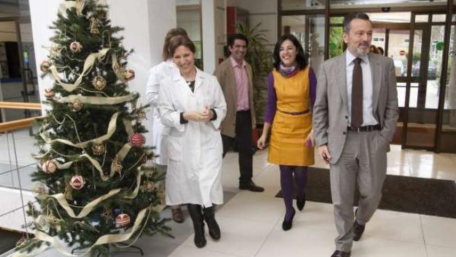 Agustín Hernández acude a donar sangre