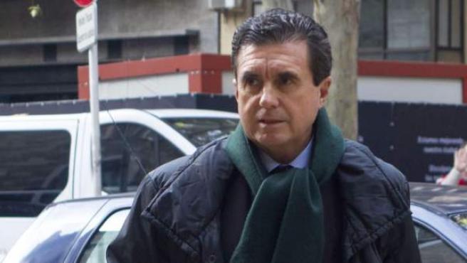 El expresidente del Gobierno Balear, Jaume Matas, a su llegada a la Audiencia Provincial de Palma de Mallorca, en el marco del juicio en el que está acusado de corrupción.