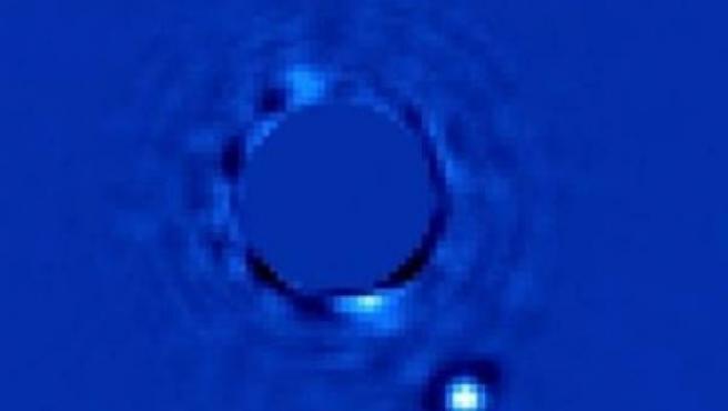 Imagen del Beta Pictoris B, un mundo que orbita la estrella Beta Pictoris.