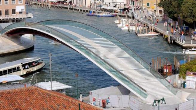 Puente de Venecia diseñado por Santiago Calatrava.
