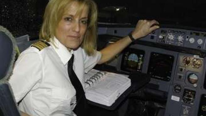 Marta Pérez Aranda, primera mujer comandante Iberia