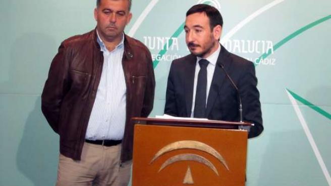 Manuel Cárdenas junto a Fernando López Gil en la rueda de prensa ofrecida