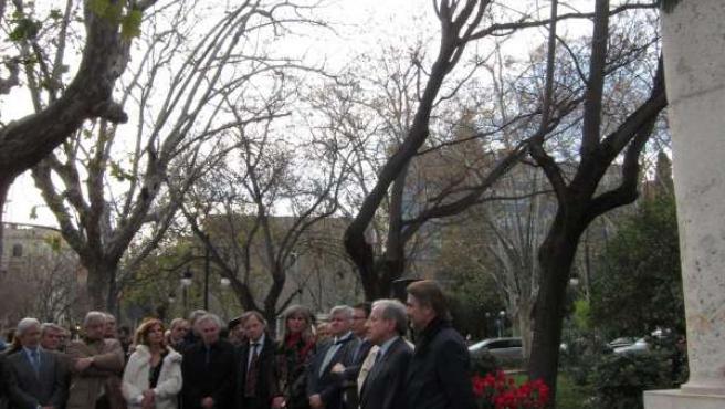 El expresidente del TC Pascual Sala interviene en la ofrenda floral de M.Broseta