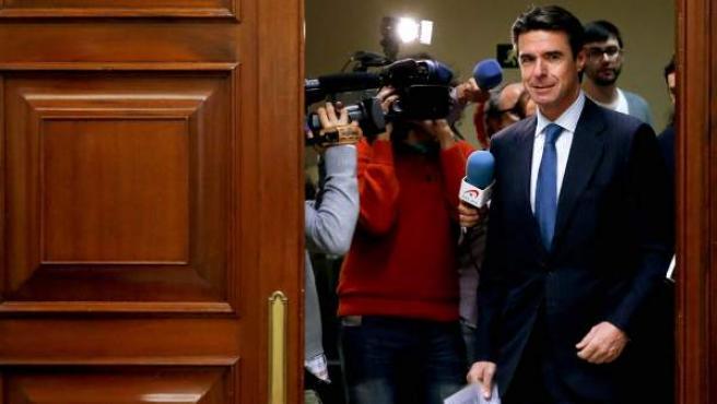 El ministro de Industria, Energía y Turismo, José Manuel Soria, a su llegada a su comparecencia en la Comisión de Industria del Congreso de los Diputados.