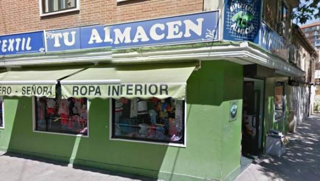 Imagen de uno de los comercios madrileños que ofrecen descuentos a parados.