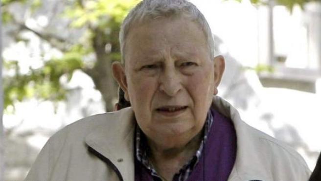 """Fotografía de archivo tomada el 26 de abril de 2011 de Joseba Elosua, el dueño del bar Faisán de Irun donde se produjo el """"chivatazo"""" a ETA."""