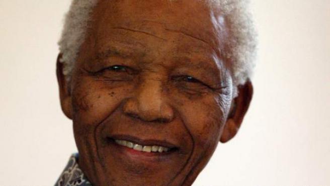 Nelson Mandela, expresidente de Sudáfrica, en una foto de archivo de agosto de 2008.