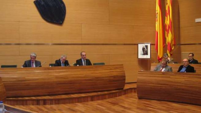 Rus preside el pleno de la Diputación