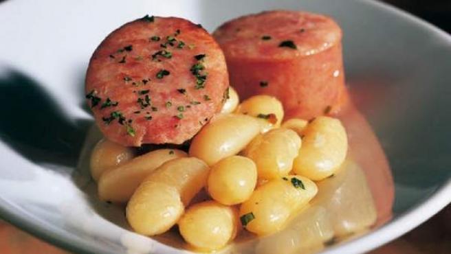 La 'botifarra amb seques' es una popular receta desde la segunda mitad del siglo XIX.