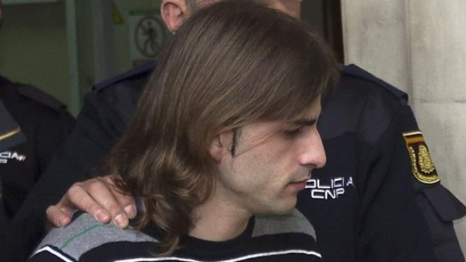 Miguel Carcaño, escoltado con fuerte protección policial.