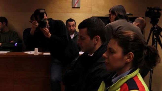 El acusado de matar a un menor en Lloret sentando el el banquillo