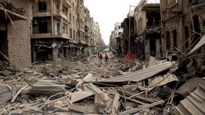 Edificios destruidos por las bombas en la ciudad siria de Alepo.