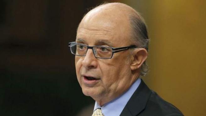 El ministro de Hacienda, Cristóbal Montoro, durante su intervención en el pleno de Congreso de los Diputados.