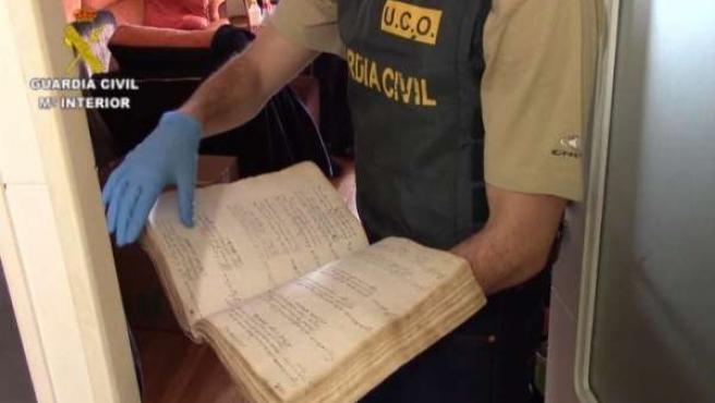 Recuperados once libros y documentos robados en Tarazona en los años 80