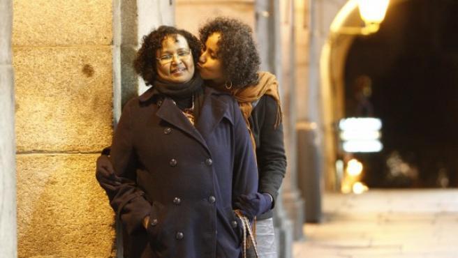 Asha Ismail y su hija.